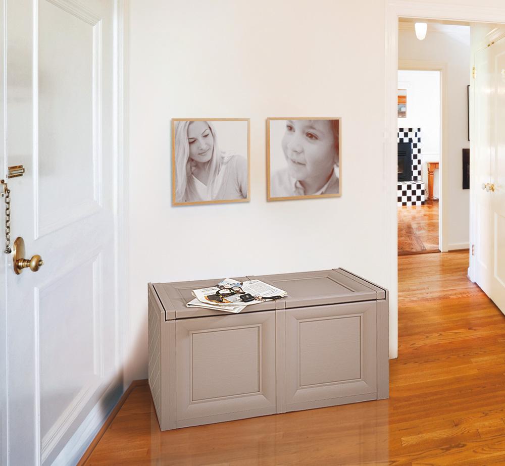 mobili presenti nelle foto sono disponibili in tre diversi colori e ...